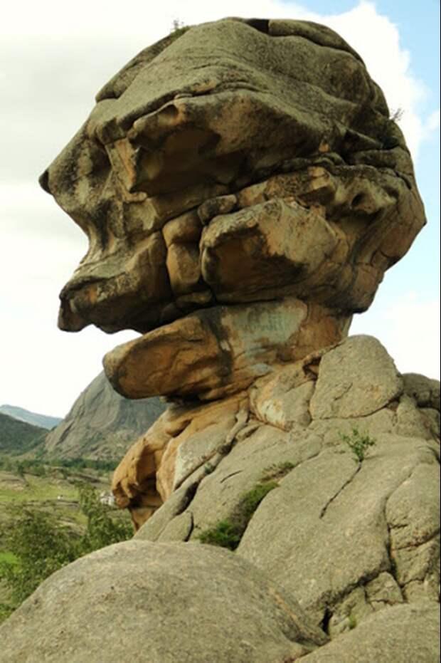 Скала-Сфинкс в Казахстане. Источник https://avatars.mds.yandex.net/get-zen_pictures/3006583/545026042-1592059643917/orig