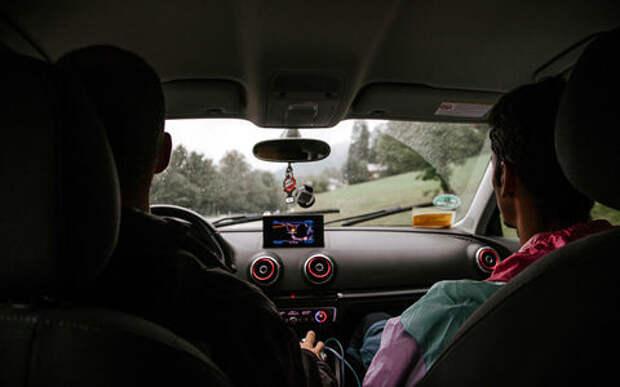 К инструкторам по вождению ужесточили требования