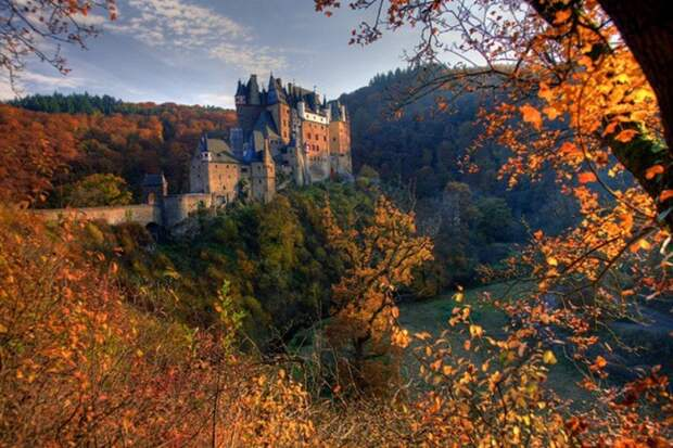 Замок Эльц, Германия история, мистика