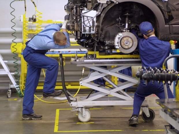 Правительство поможет переобучению сокращаемых работников автопрома
