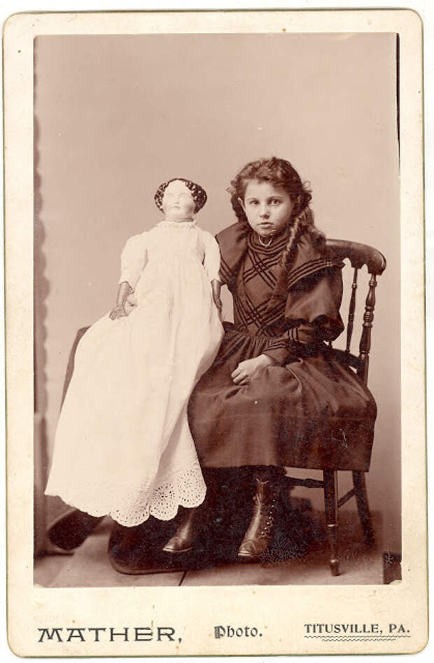 Винтажные фото девочек с их куклами