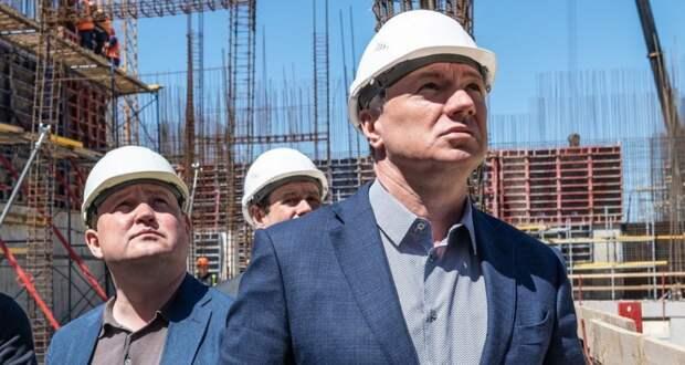 Хуснуллин потребовал ускорить строительство медцентра в Севастополе