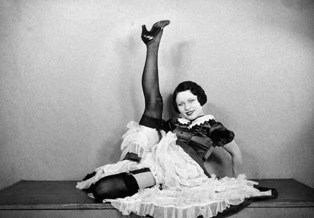 Этот провокационный канкан: Во что одеты танцовщицы кабаре Мулен Руж