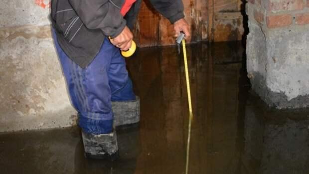 SOS! В Севастопольских домах затопило подвалы