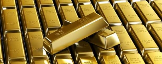 Пока Вашингтон влезает в долги, Москва копит золото