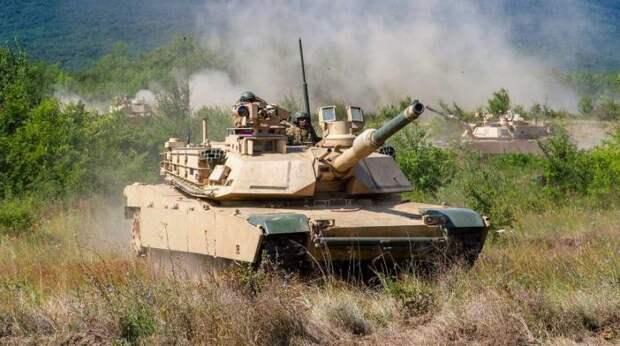 Министр обороны Польши обещал разместить танки Abrams под Смоленском