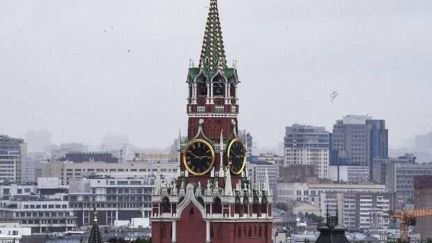 Десятки рейсов задержаны в аэропортах Москвы из-за снегопада