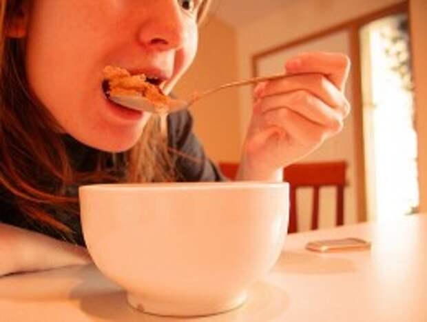 Завтрак повышает способности к обучению у детей – ученые