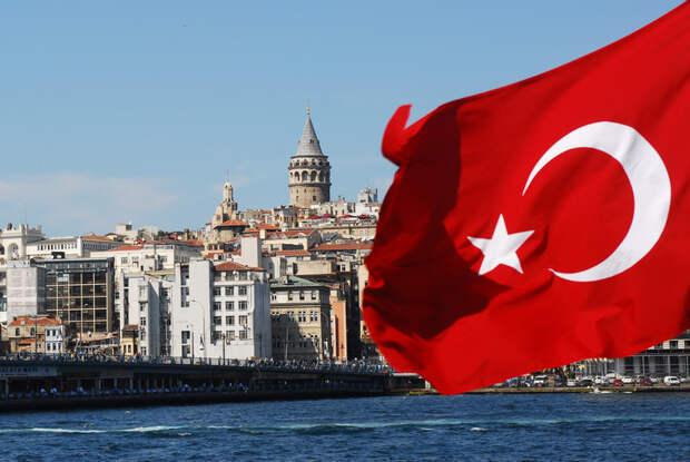 Владимир Зеленский призвал украинцев отдыхать в Турции вместо россиян