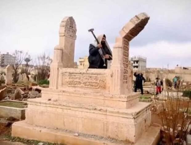 Фото: ИГИЛ — разрушение памятников и музеев