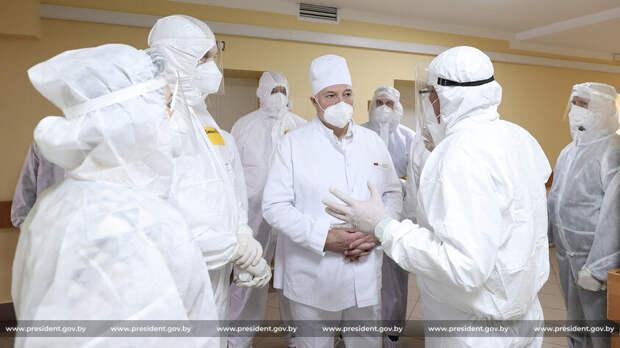 Лукашенко опроверг слухи о тайной вакцинации от COVID-19