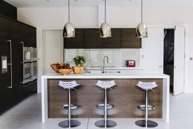 Красивый венге в элементах кухонного гарнитура станет центром внимания на вашей кухне