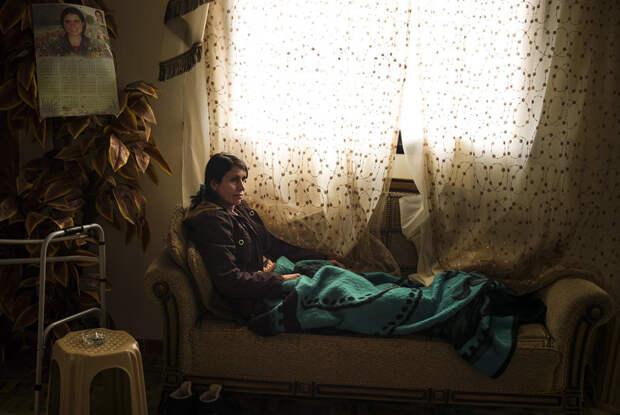 За нацию и равноправие.  Курдские женщины в бою c «Исламским государством»