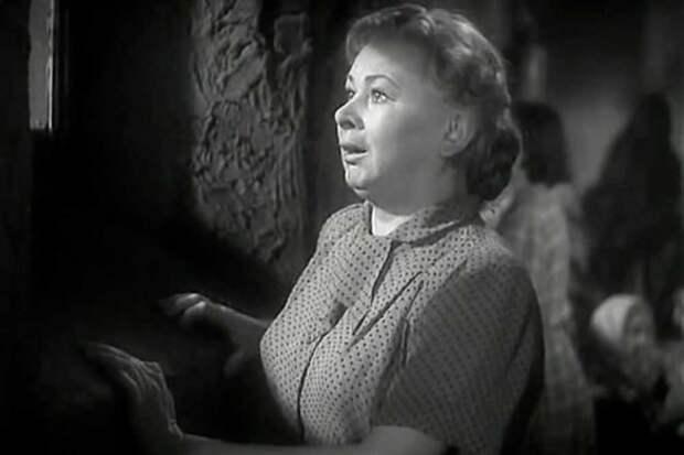 """Валентина Серова. Кадр из """"Бессмертный гарнизон"""" (1956)"""