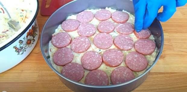 Сытно и просто: нашла рецепт утилизации кабачков! Овощная запеканка с колбасой