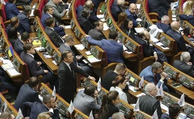 Их цель — постоянно ссорить народ: Олейник рассказал, почему Рада намерена запретить рекламу на русском языке