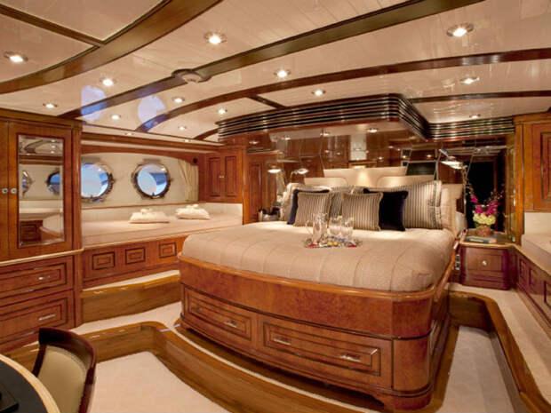 Роскошные яхты, которые можно арендовать на зимние праздники за миллион долларов
