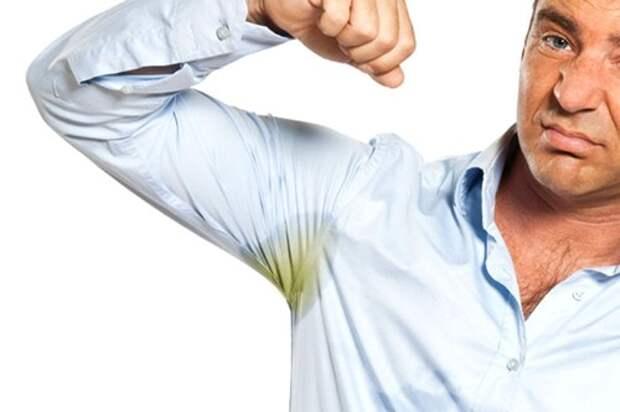 Простой трюк очистит вашу одежду от следов антиперспиранта без химикатов