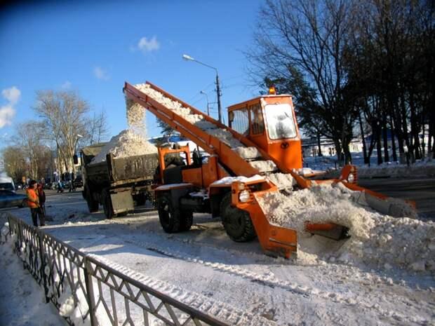 Аномальная зима в Петербурге: как борются со снегом в Северной столице