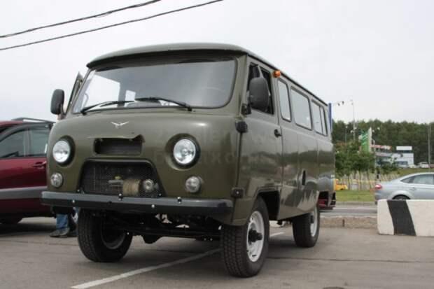 """Японцы хвалят УАЗ-452 """"Буханка"""" (видео)"""