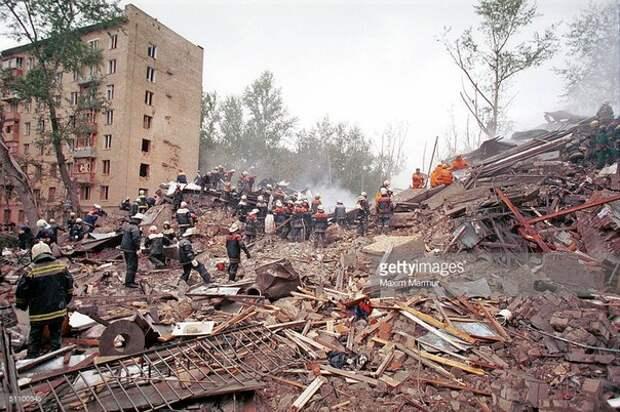 Улица Гурьянова. Каширское шоссе. Москва. Сентябрь, 1999.