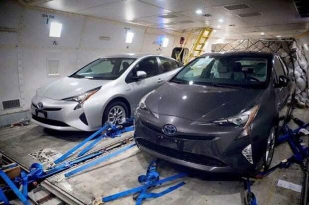 Шпионские фото 2016 Toyota Prius