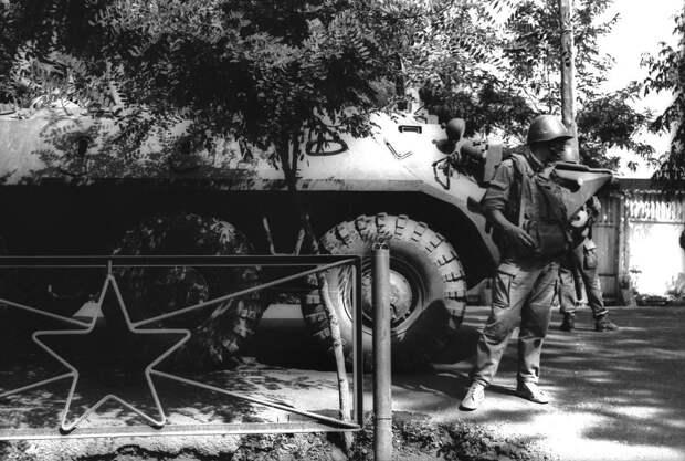Столкновения между киргизами и узбеками в Ошском районе Киргизской ССР с 4 по 7 июня 1990 года.