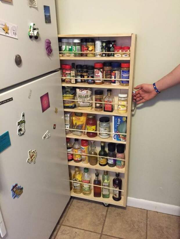тайник за холодильником