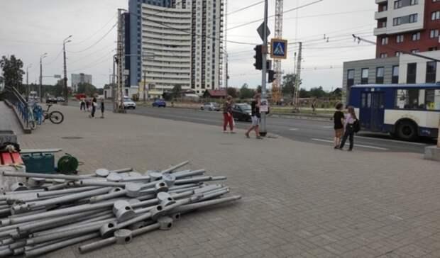 Подрядчика наказали за снос ограждений на улице Чапаева в Петрозаводске
