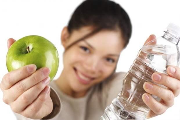 8 действенных советов, которые помогут приучиться пить больше воды
