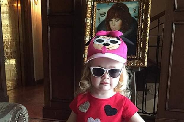 Алла Пугачева опубликовала в Instagram новые фотоснимки своих детей