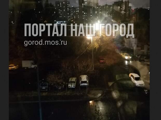 Свет от фонаря мешал спать жителям дома на Окружной улице