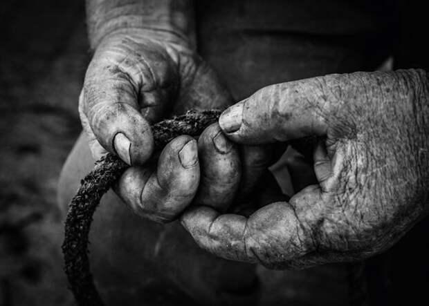 История жизни, рассказанная руками