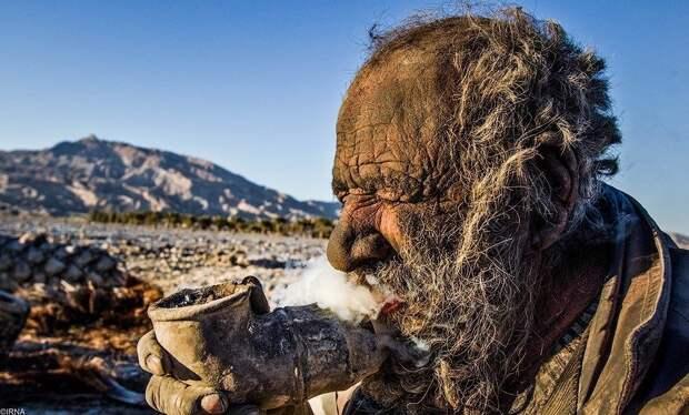 Как выглядит человек, который не мылся уже более 60 лет
