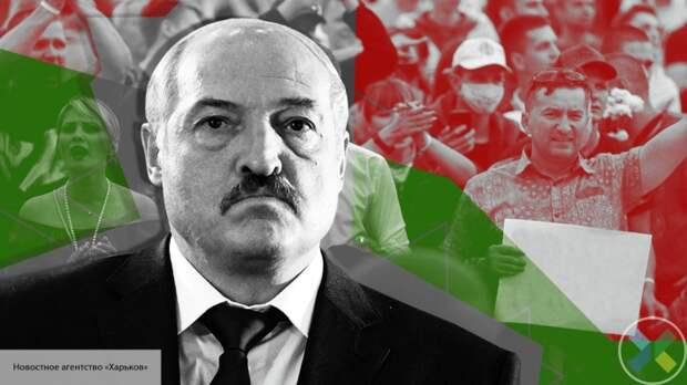 Лукашенко потребовал отчислить протестующих студентов из вузов