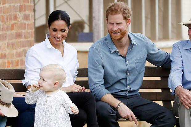 Дочь Меган Маркл и принца Гарри — не первая родственница королевы, которая родилась в США