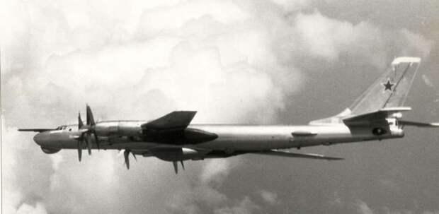 Tu-95RC_04.jpg