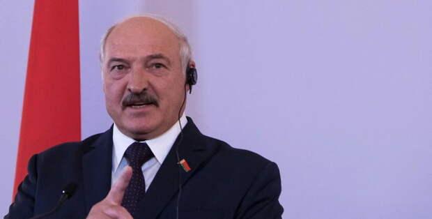 Лукашенко атакует Кремль на параде