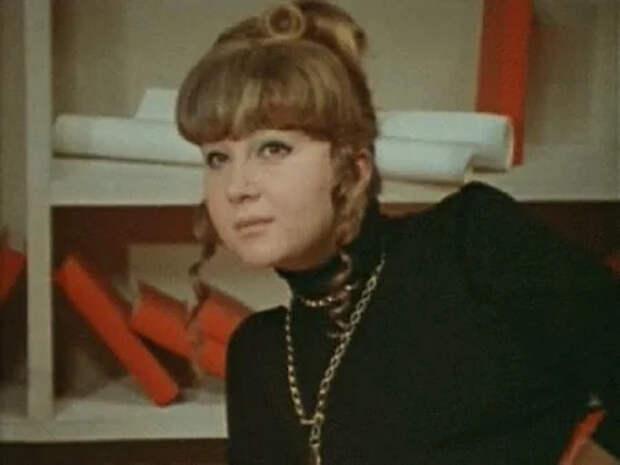 """Вы знаете, что эта упитанная ироничная женщина из """"Иван Васильевич меняет профессию"""" - дочь известного актёра?"""