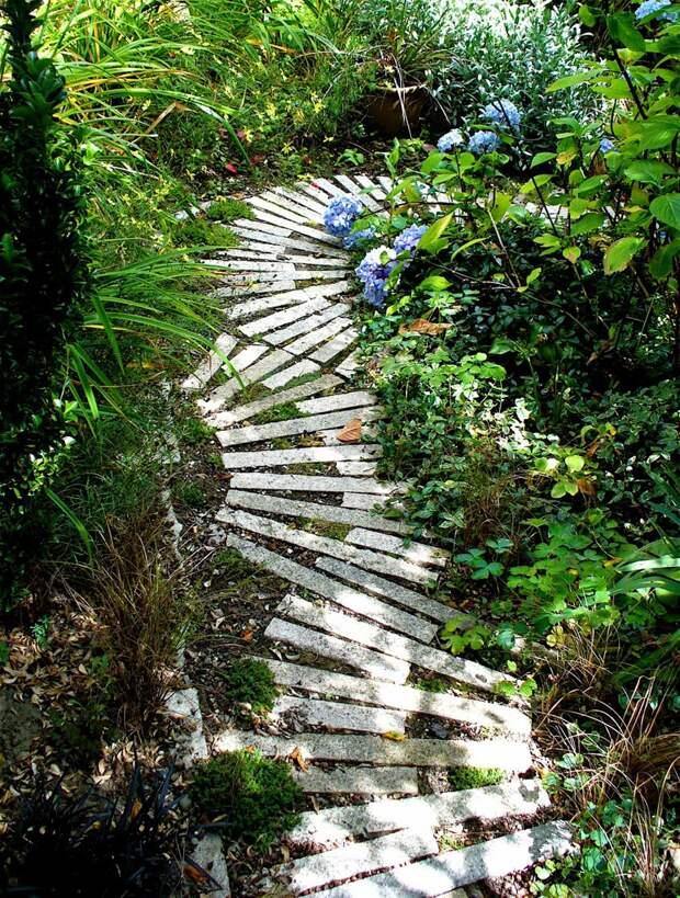 Изогнутые дорожки из кирпича дача, дорожки, сад