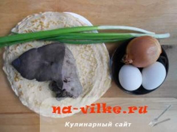 Блинчики с говяжьей печенью и яйцом