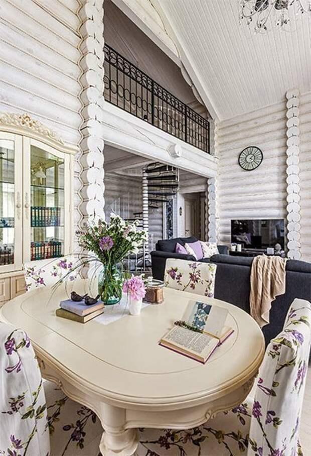 Винтажный, немного деревенский, но в то же время элегантный стиль дома