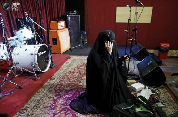 Хэви металл от мусульманской женщины