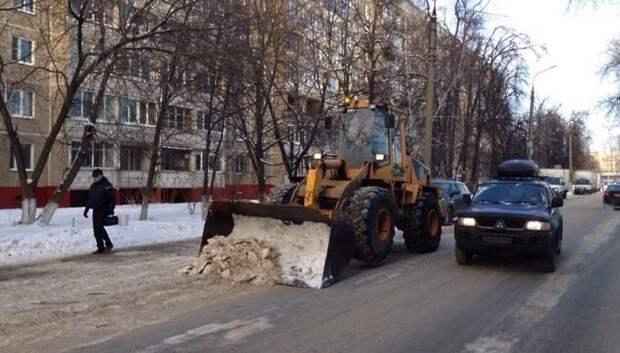 В Подольске на уборку дорог от снега направили 37 единиц техники