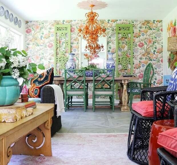 Гостинная включает обеденную зону. Фото из Инстаграм-аккаунта Кортни @zigandcompany