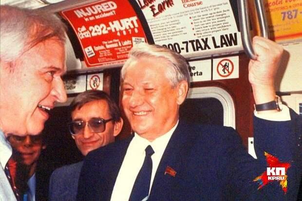 Борис Ельцин в вагоне нью-йоркского метро во время первого визита в США в 1989-м году. Фото: Ельцин Центр