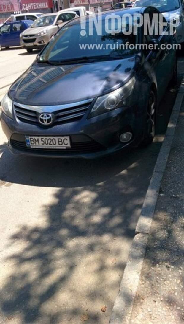 В Севастополь с украинскими номерами: как автолюбители из «незалежной» заполоняют улицы города-героя (фото)