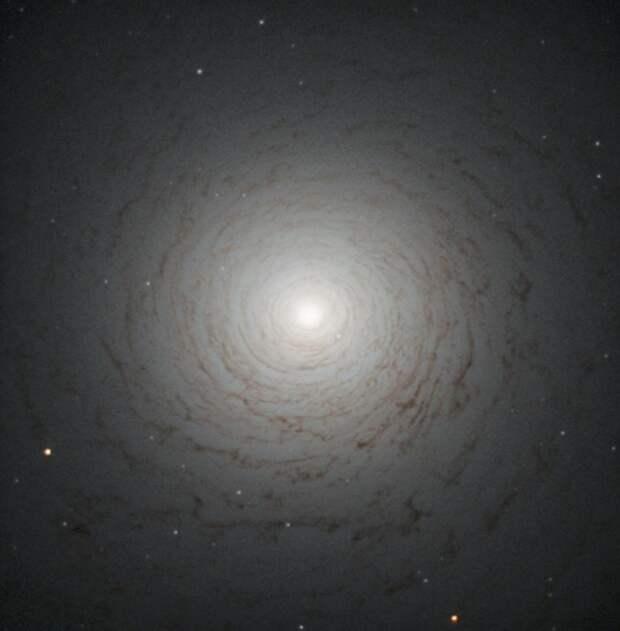 Галактика NGC 524