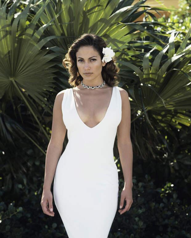 Дженнифер Лопес (Jennifer Lopez) в фотосессии Фируза Захеди (Firooz Zahedi) для журнала Vanity Fair (1998), фотография 2