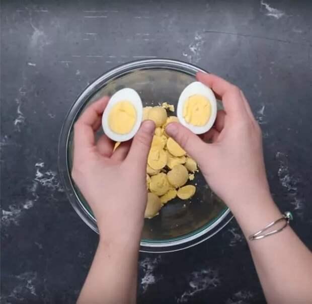 Фаршированные яйца по-новому